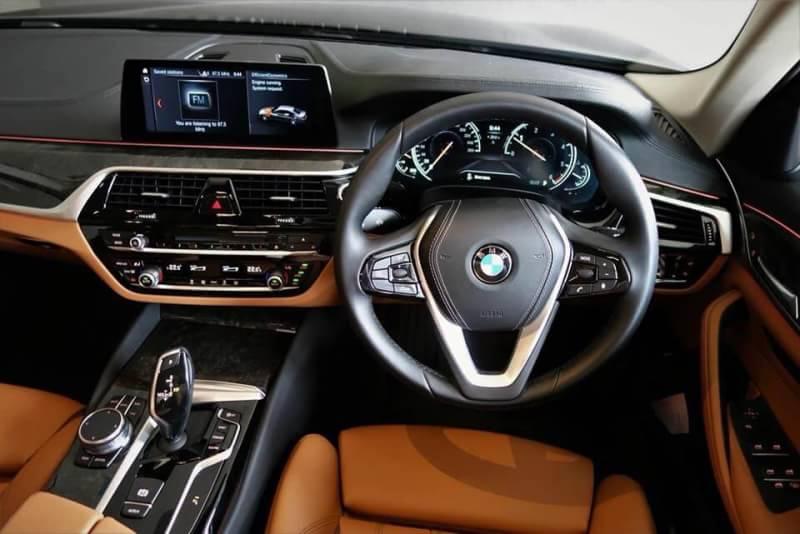 BMW 520d Sport NEW , บริการเช่ารถสปอร์ตBMW Series 5 Sedan, บริการเช่ารถBMW Series 5พร้อมคนขับ